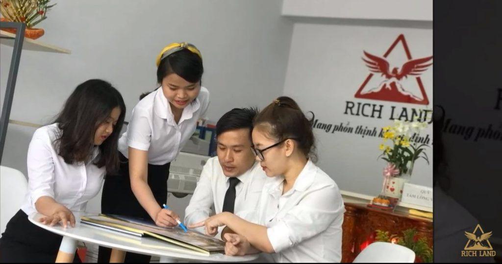 gen-trien-khai-educrm-richland